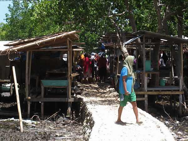 Kaledupa-Market_DCE