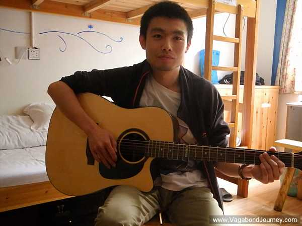traveling-chinese-musician